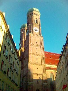 Frauenkirche am Morgen