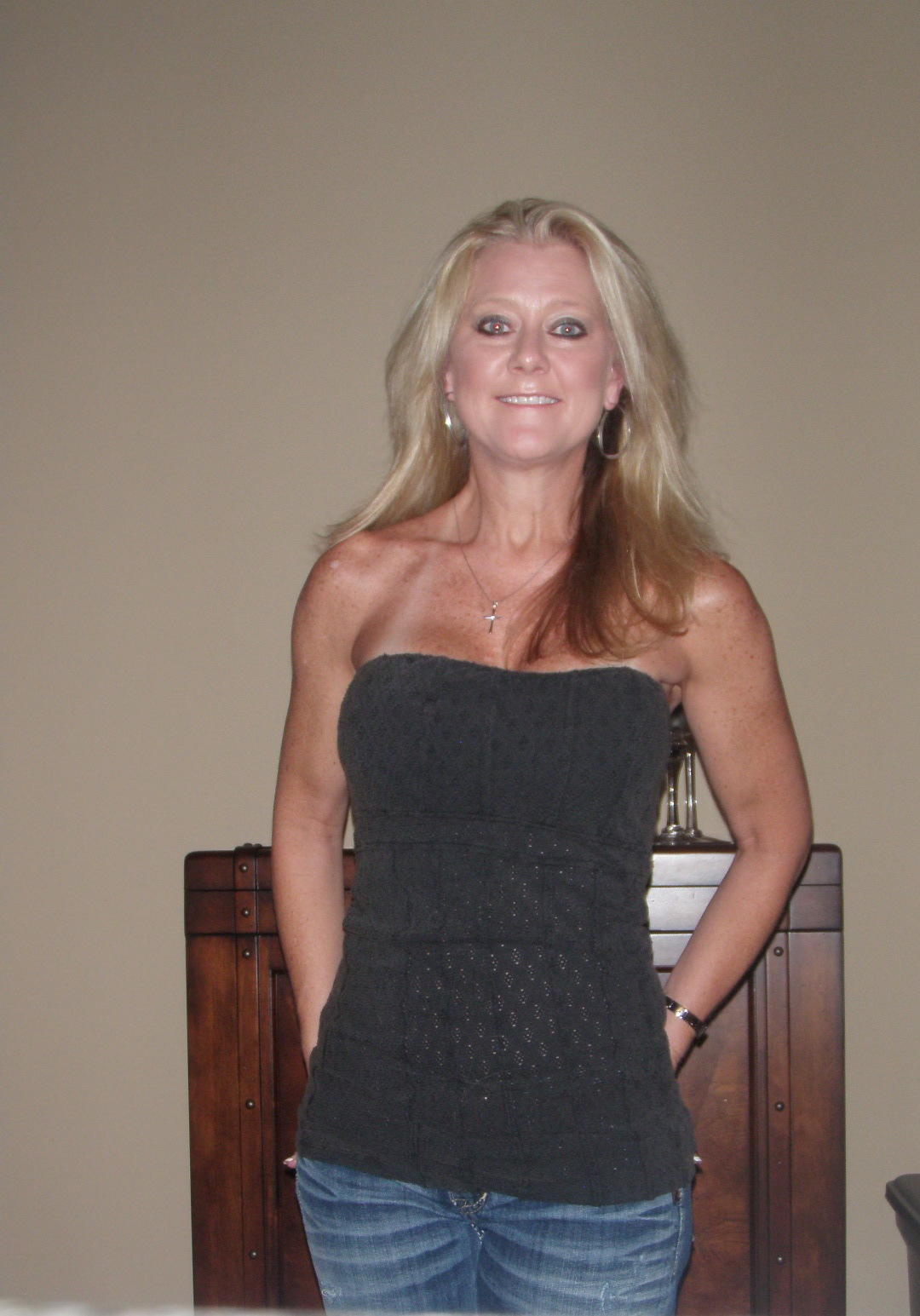 single women over 50 in jeffersonton Dating blog for men and women over 50  if you are in a relationship with someone, you're over 50 and single, and you've been dating for a while, know the .