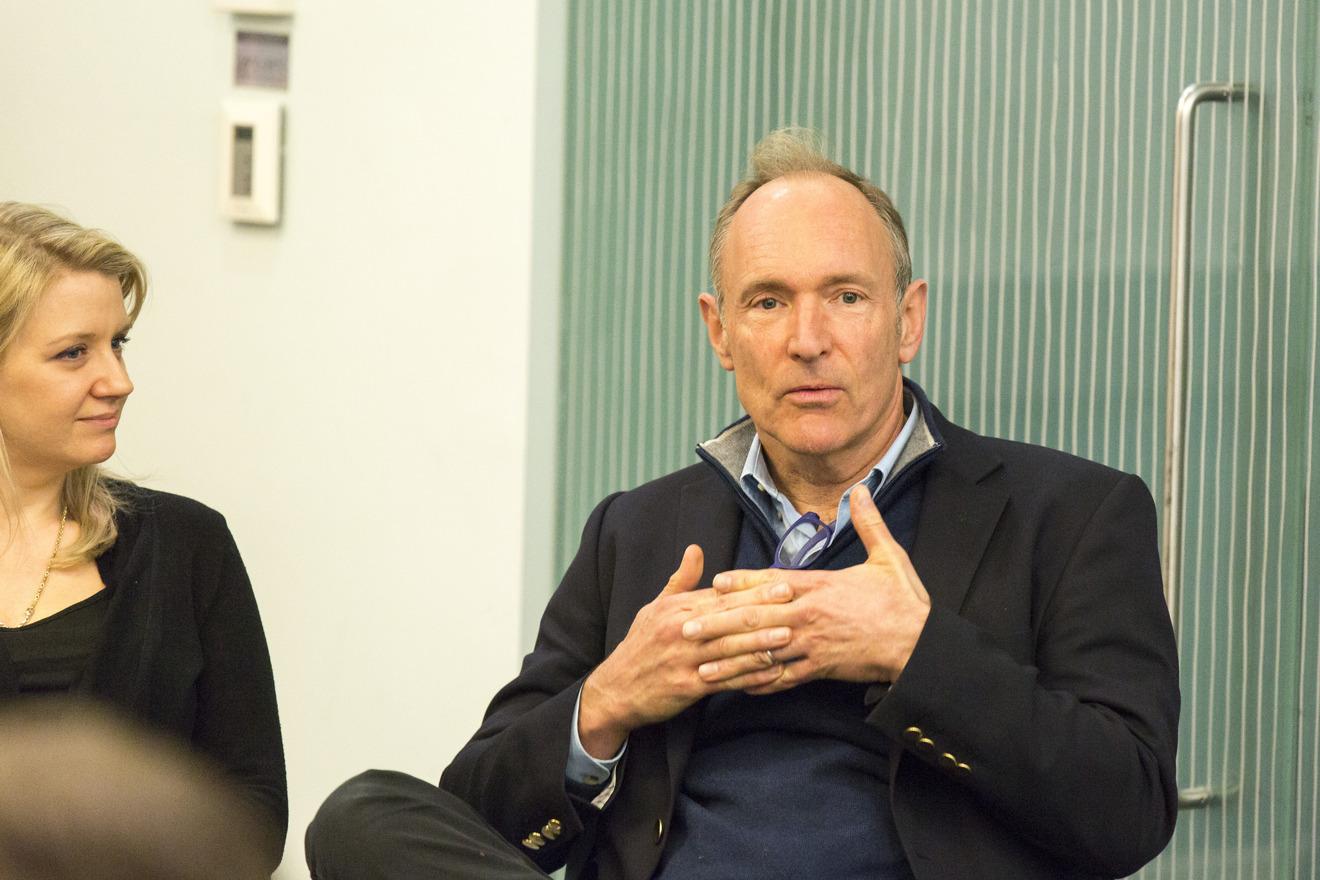 Web Inventor Tim Berners Lee Reveals Solid Plan For