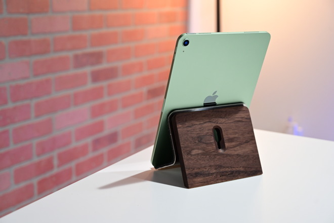 The new Grovemade stand with the new iPad Air 4