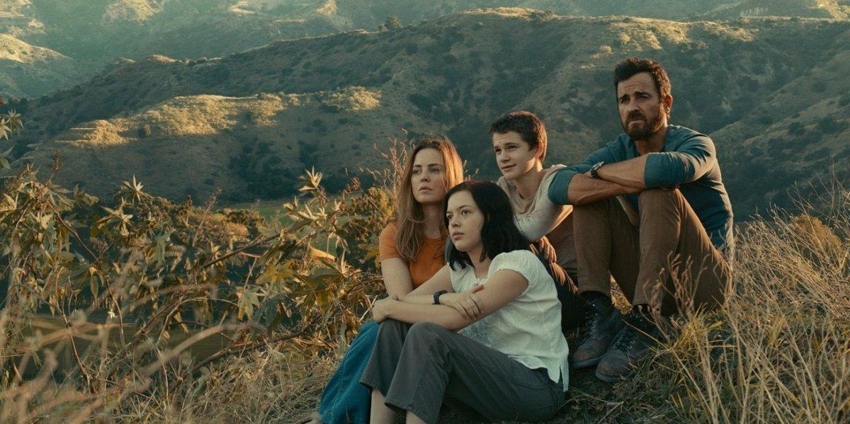 Justin Theroux, Melissa George, Logan Polish and Gabriel Bateman in