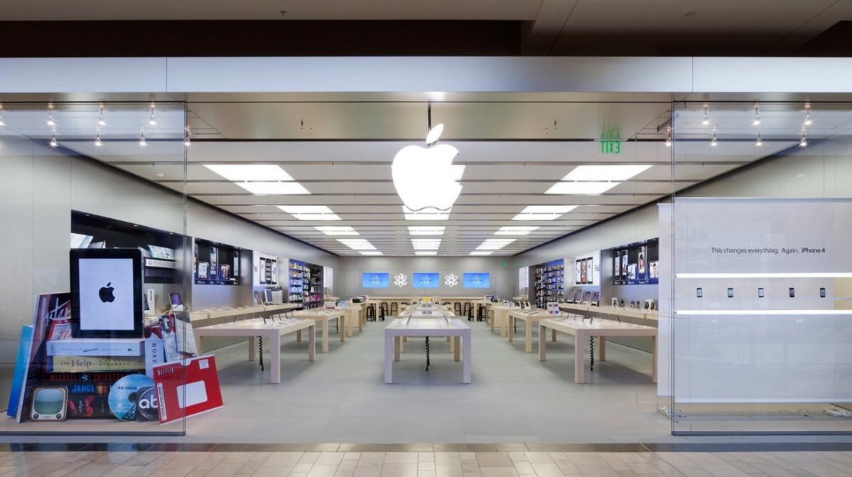 The Apple Store at Ross Park Mall in Pittsburgh