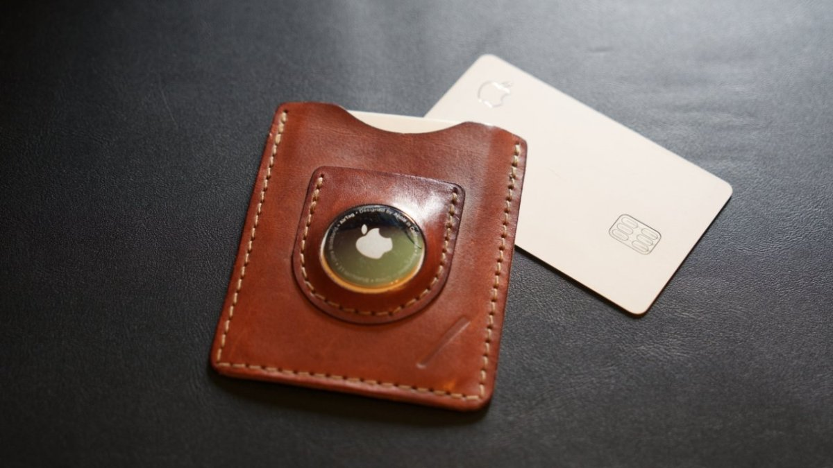 The Snapback Slim Air wallet has space for an AirTag