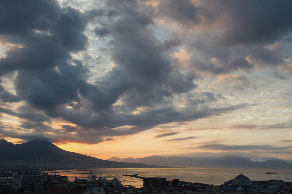 napoli, italy, sunset, vesuvio, kitschy, beautiful, morning