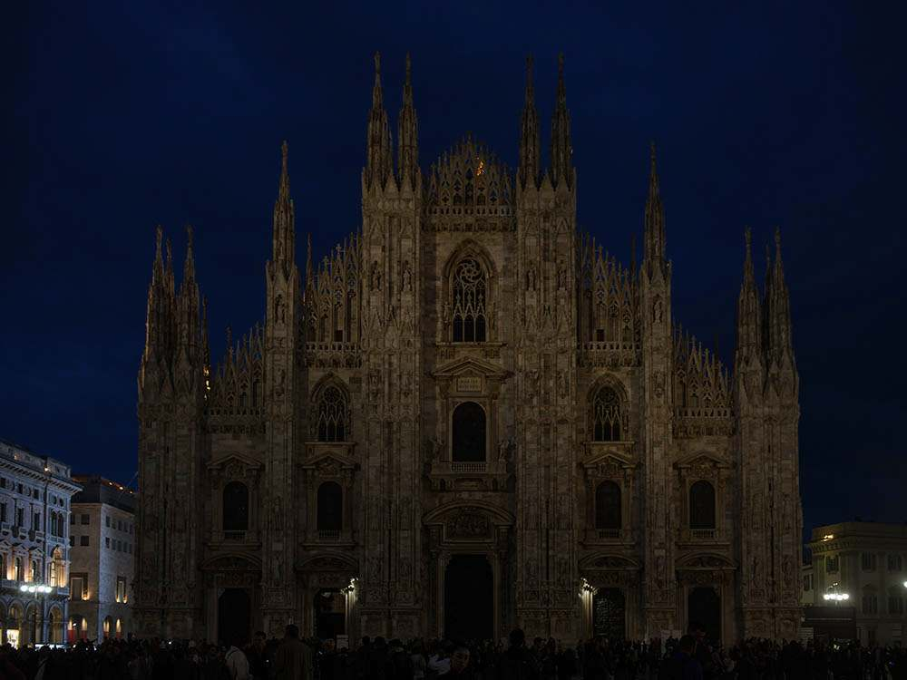 milan, italy, at night, duomo