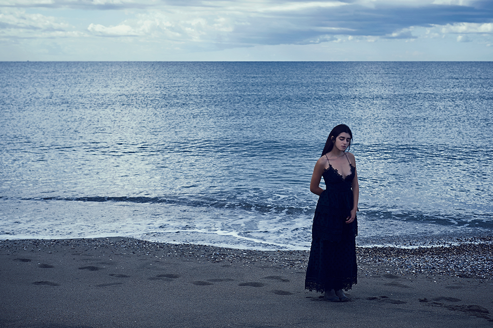 destination photography, portrait, ursula schmitz, italy, ocean, dream, romance, blue