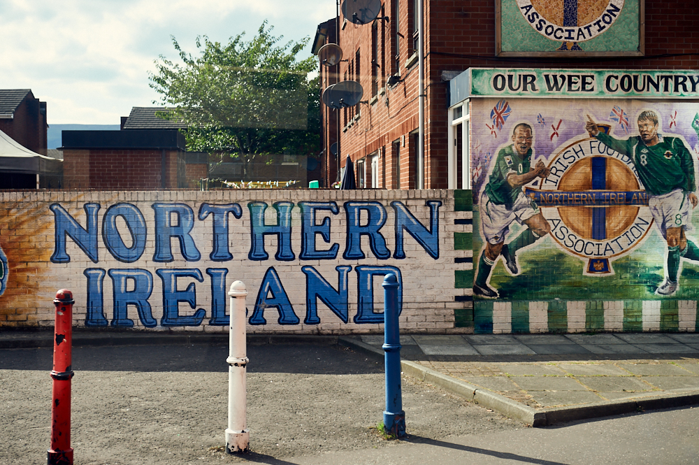 belfast, peace wall, nirthern ireland, uk, the troubles, murals, street art