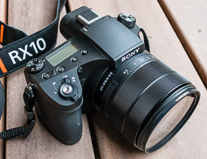 Sony RX10 III superb 25x travel zoom outshines 11x on APS-C
