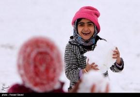Snow Kerman Iran Snowballs 06