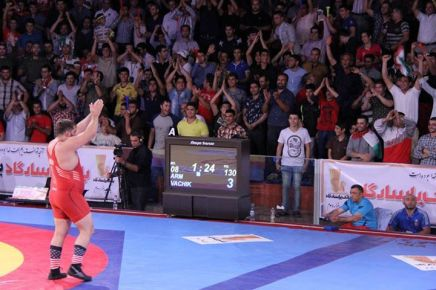 "Iranian crowd in Tehran chanting ""USA, USA"" to cheer US wrestler Robbie Smith"