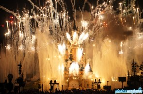 Disney Dreams! lights up the night