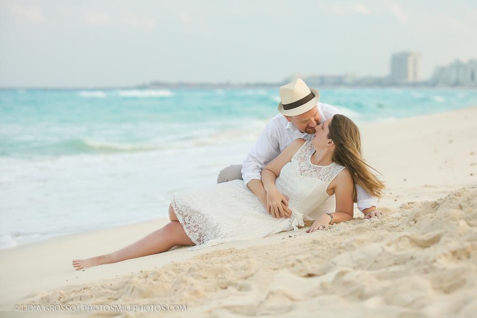 small-res-Amber-and-Derek-portrait-Cancun-114.jpg