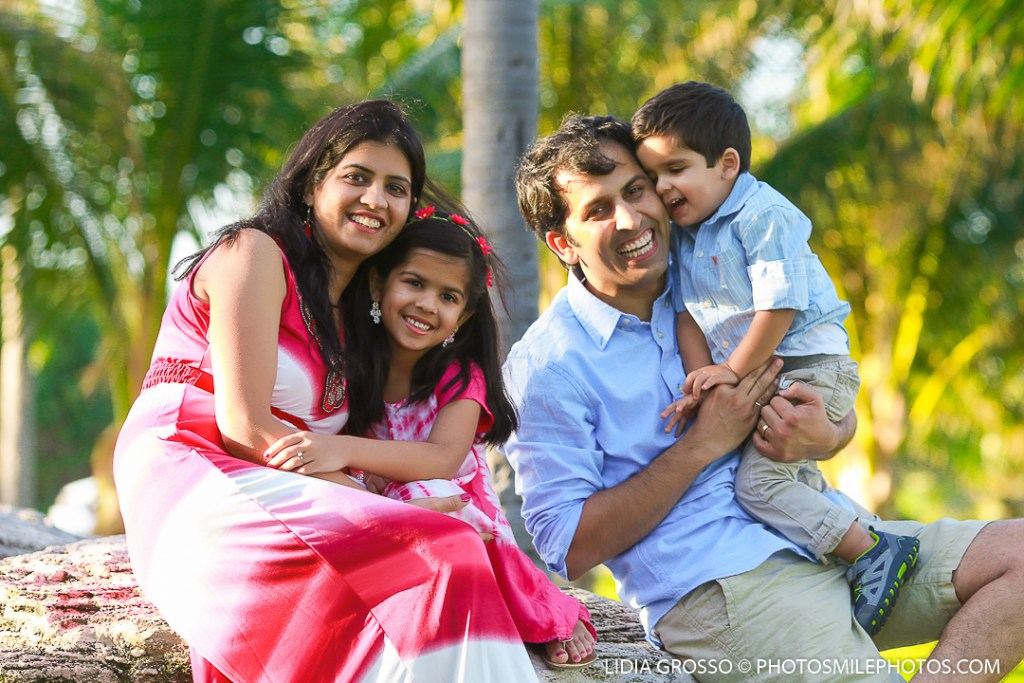 small-res-Vishal-family-portrait-Cancun-031.jpg