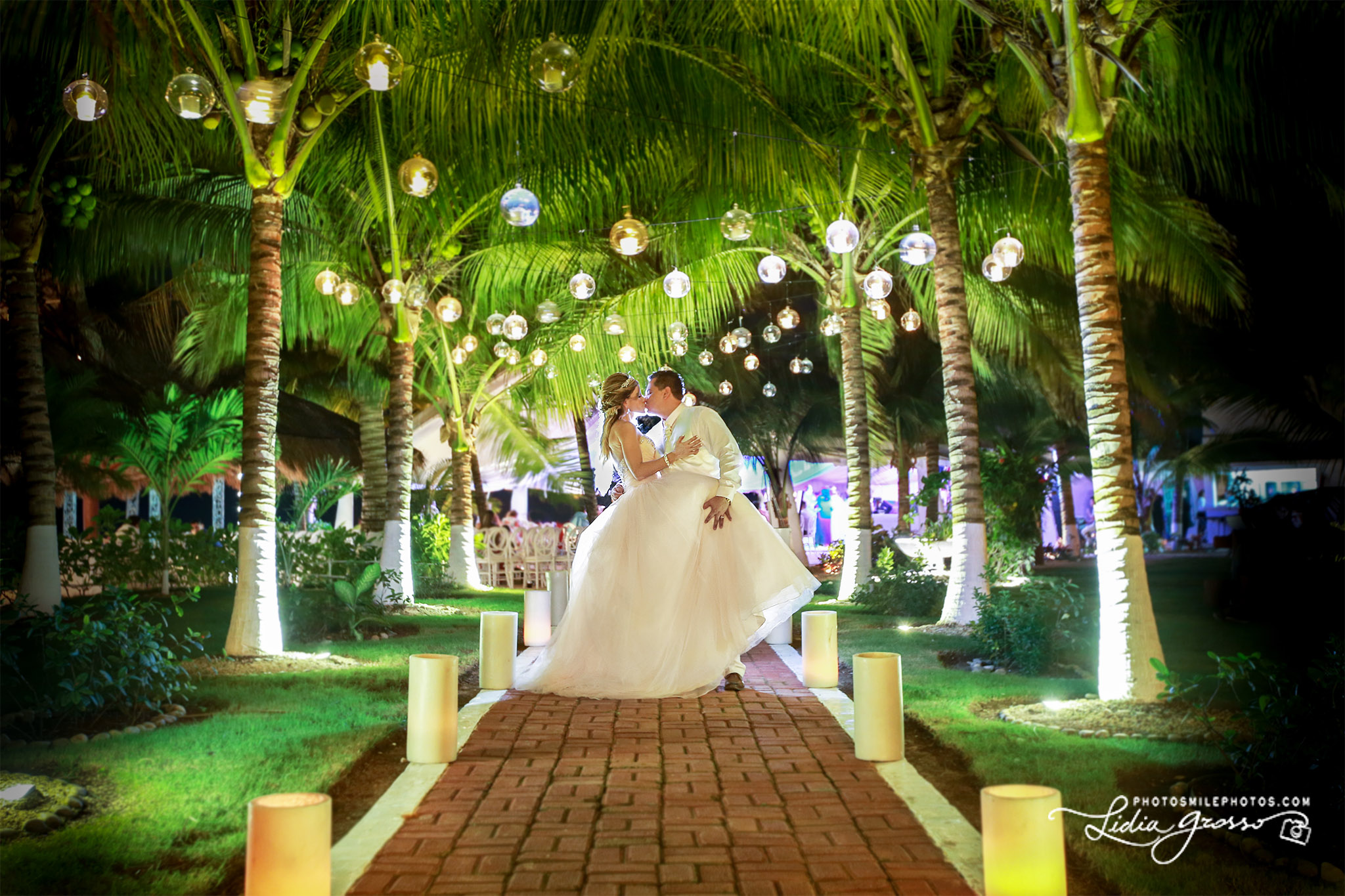 Jez-Poncho-Wedding-Cancun-s.jpg