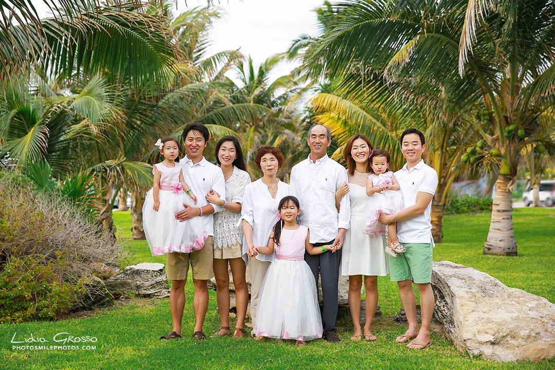 Mi-Hyeon-family-portrait-Cancun-031s.jpg