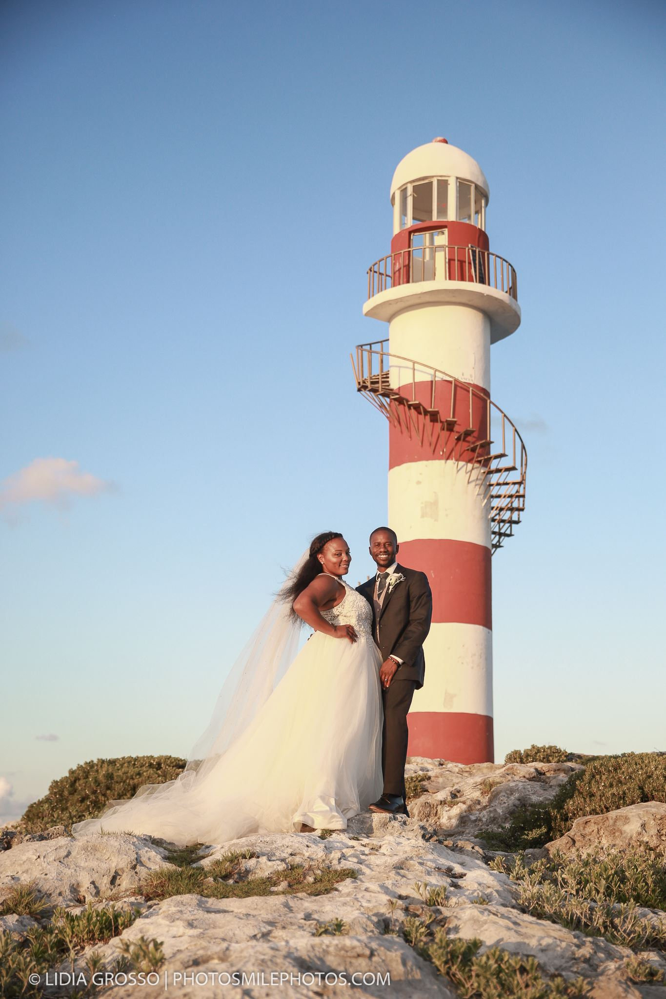 cancun wedding photos, a day after session photos, Hyatt Ziva Cancun wedding photographer, best beach wedding photos, lidia grosso photography, hyatt ziva lighthouse