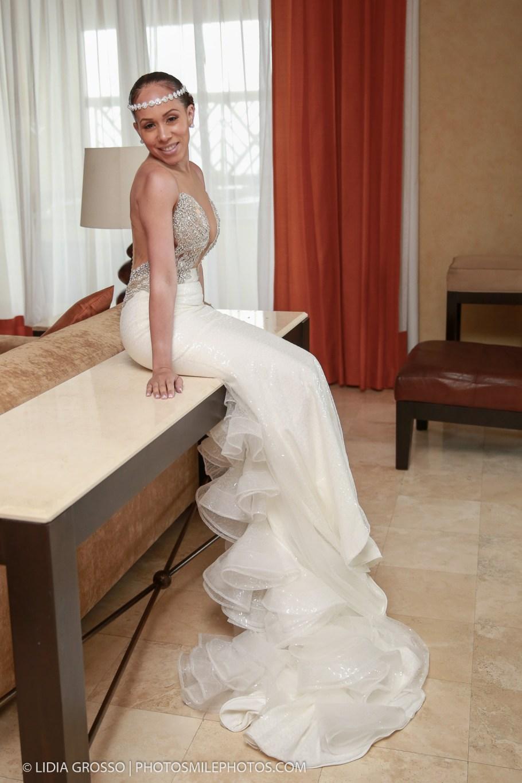 Villa del Palmar Cancun Weddings, Beach weddings Cancun, Cancun Photographer, Lidia Grosso Photography, fotografo bodas Cancun, Destination Weddings Mexico, bride getting ready photos