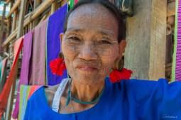 Femme araignée de Cone Chaung (chin tattooed village)