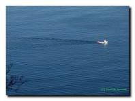 Passe le bateau, sans trop déranger...