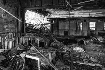 Zerstörte, verwüsteter Innenraum einer Kirche in Detroit, USA. September 2015 // Damaged, devastated interior of a church in Detroit, USA. September 2015
