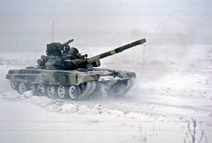 T-90 demonstration in Nizhny Tagil, 1998 Press service of UVZ
