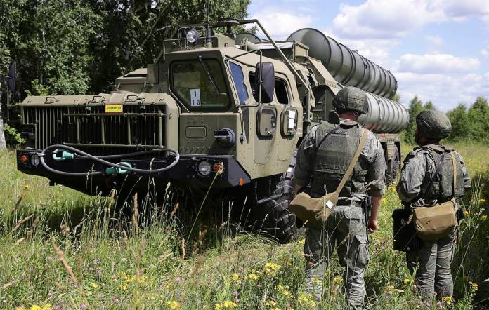 S-400 'Triumf' surface-to-air missile system Kirill Kukhmar/TASS
