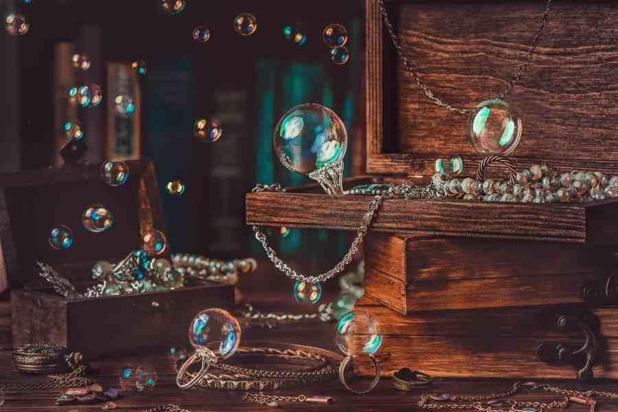 10-Blow-soap-bubbles-2