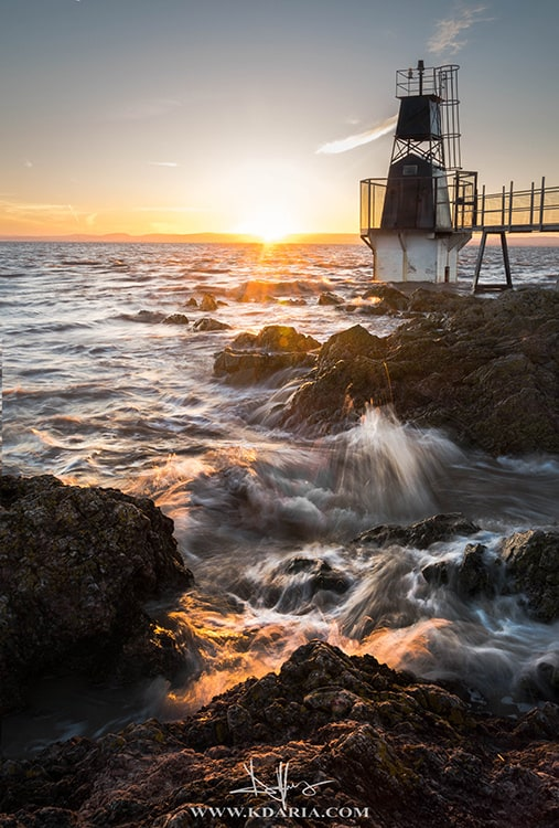 2a-bright-light-Portishead-Battery-Point-Lighthouse