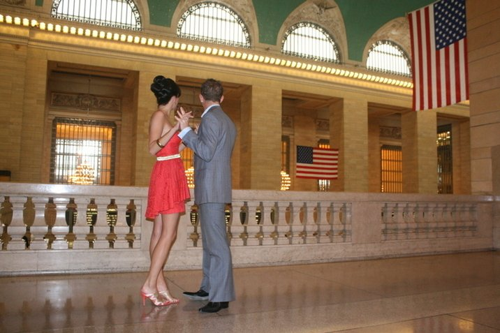 Romantic photos in Grand Central Station