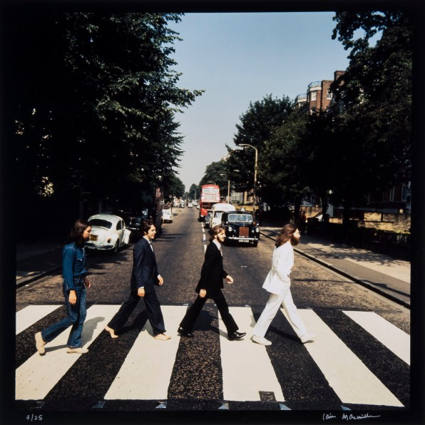 © Iain MacMillan, The Beatles, Photo 3 (Reproduction, © Bloomsbury Auctions)