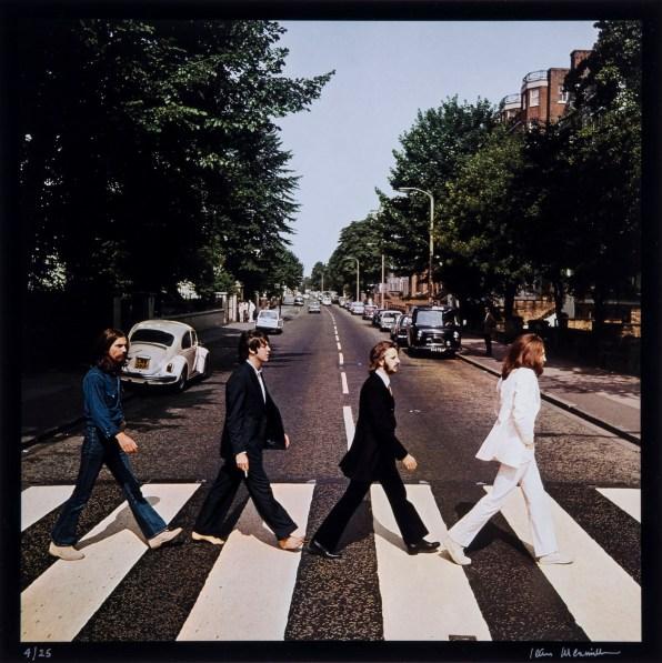 © Iain MacMillan, The Beatles, Photo 5 (Reproduction, © Bloomsbury Auctions)