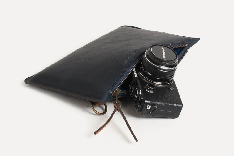 Pochette Photo Prades Bleu De Chauffe X Olympus 2