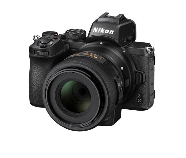 Nikon Z 50 avec un 35mm f/1.8 DX monté sur FTZ