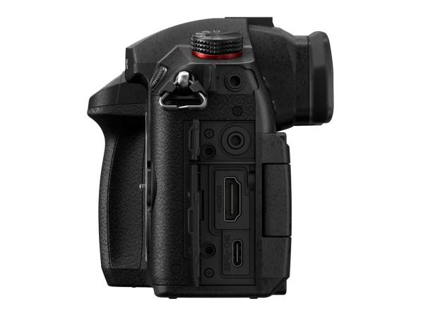 Panasonic Lumix GH5M2 Body JackSideOpen2 K
