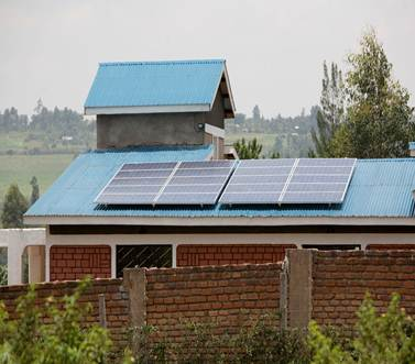 Kenia, PV - Inselanlage mit Speichersystem SMA Sunny Island 3324, Hoppecke 8OPzV 1220 Nutzbare Kapazität 8,22 kWh