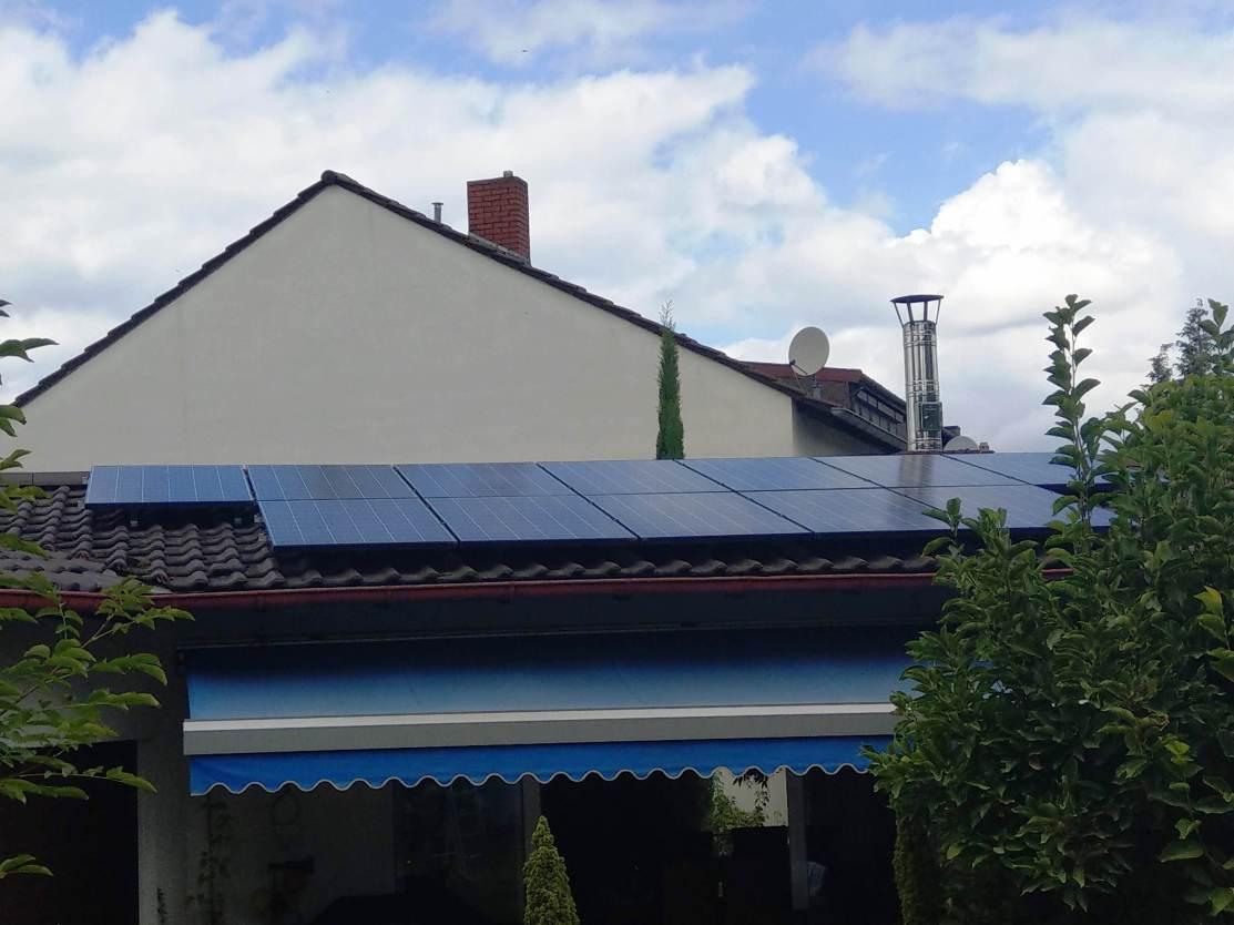 Hockenheim, PV - Anlage (9,72 kWp) mit Speichersystem SMA SBS 2.5, BYD B-BOX- H7.7 Nutzbare Kapazität 7,68 kWh