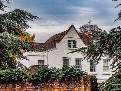 White House in Windlesham Surrey
