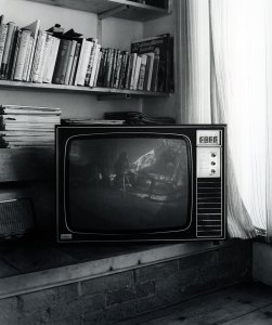 PHROOM magazine // John Myers – The Ten Televisions