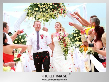 Thailand wedding photographer - Beach wedding in Phuket