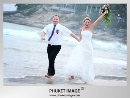 Phuket wedding photographer - Beach wedding in Thailand