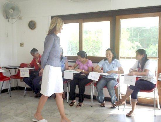 Free English lessons at Via Lingua Phuket