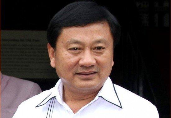 Mr.Tri Akaradecha, the Governor of Phuket