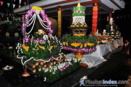 Phuket celebrates Loy Krathong
