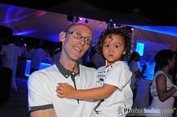 Phuket's Twinpalms Anniversary Party rocks Surin Beach