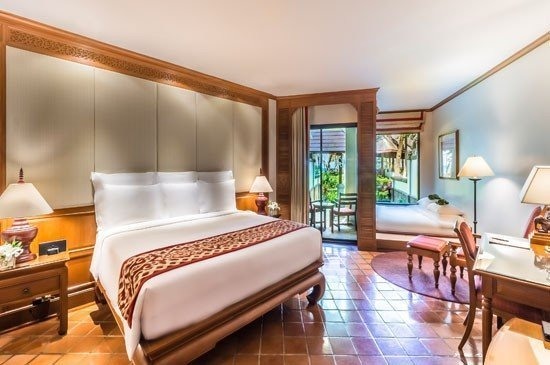 Top-Notch Family Getaway with Kids Stay and Eat Complimentary at JW Marriott Phuket Resort & Spa