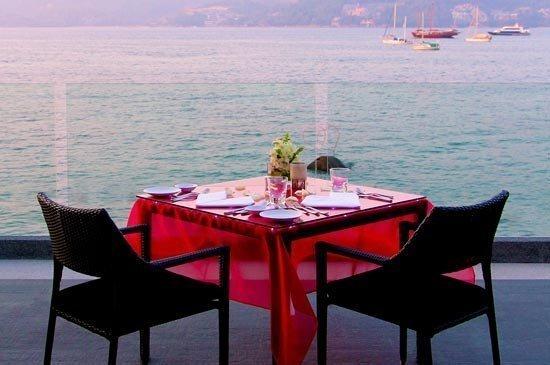 Love celebration under the stars at La Gritta Italian Restaurant