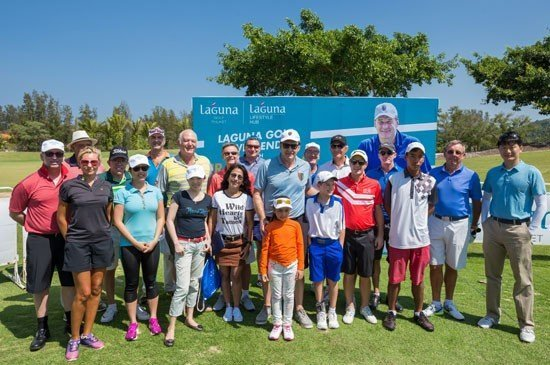Guests group photo after golf clinic