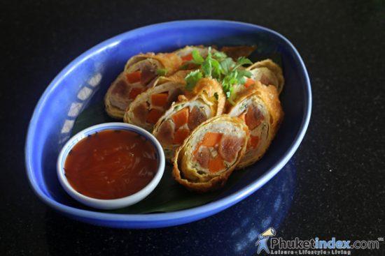Kalawek Sod Sai (SteamedMincedShrimpandChineseSausageWrappedwithEggSheet - Thai Appetizer)