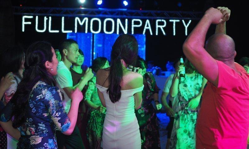 XANA Full Moon Party with Bermudos