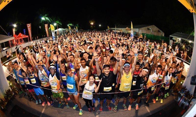 Honeymooners won Marathon Male and Female crowns